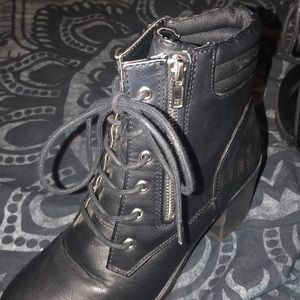 Report Shoes - Report black ankle boots women's size 7.5